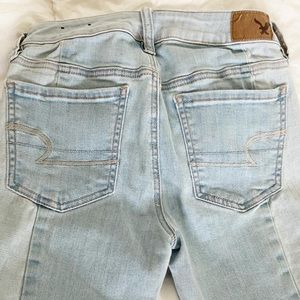 Super cute barely worn ae jeans